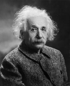 640px-Albert_Einstein_1947